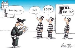 viñeta humorística de presos con certificado de penales