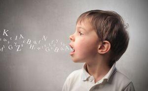 Niño hablando